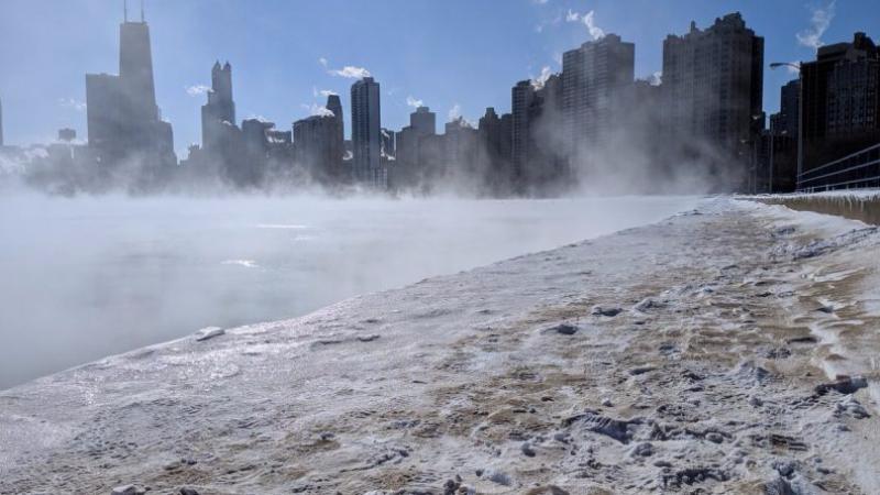В США из-за сильных морозов «вскипело» озеро