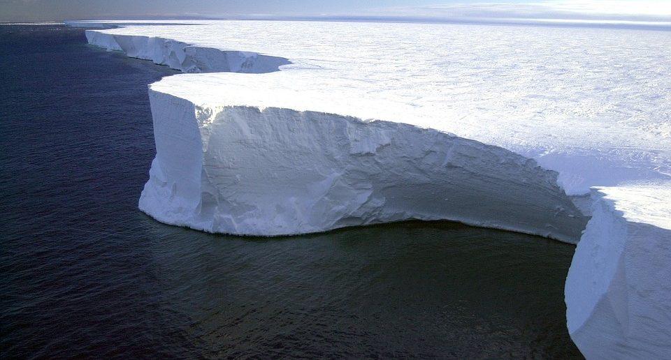 Ледник Судного дня в Антарктиде тает с ужасающей скоростью