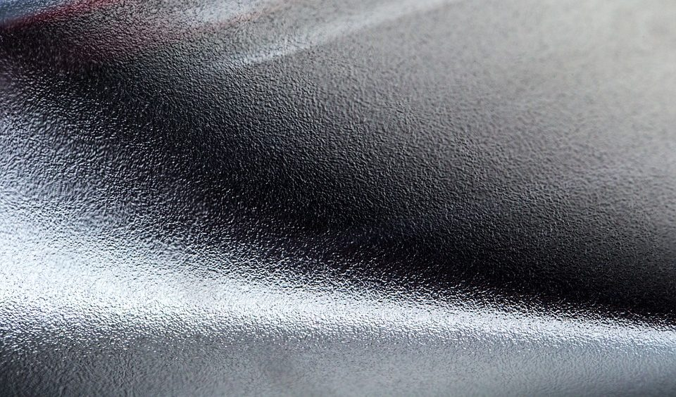 Изготовление шильдов из металла и пластика недорого