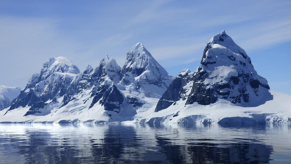 Тающие ледники Антарктики могут поднять уровень моря на четыре метра