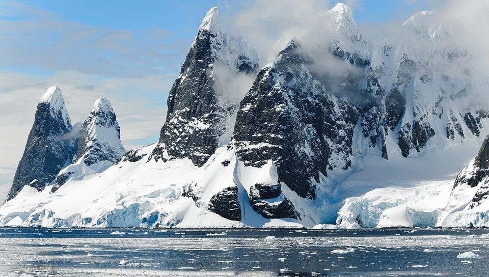 В Антарктиде хотят найти природный артефакт возрастом 1,5 млн лет