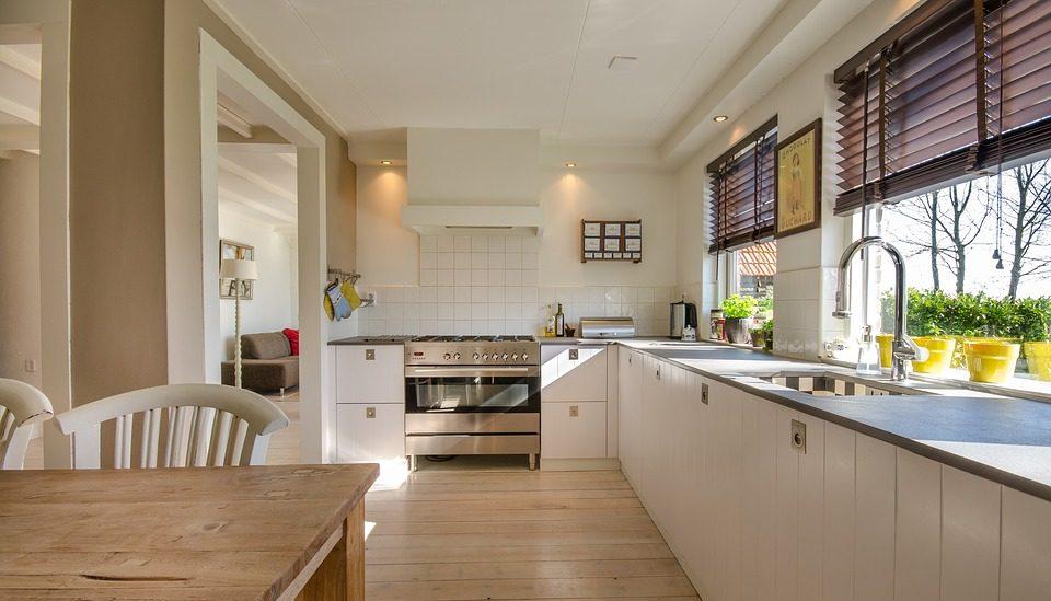 Столешница для кухни из ламината. Стоит ли выбирать такой вариант?