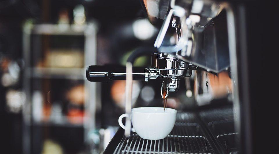 Медики рассказали, в какое время суток лучше всего не пить кофе
