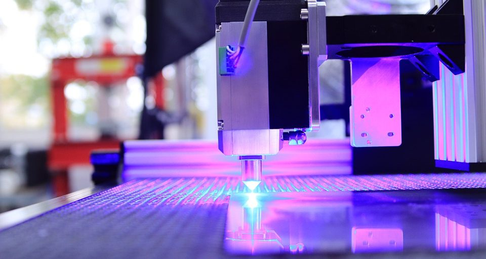 Лазерная резка фанеры: особенности и оборудование