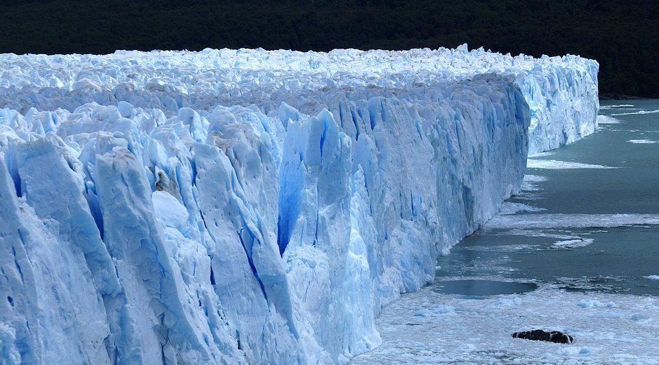 Ледник на Аляске неожиданно начал очень быстро двигаться