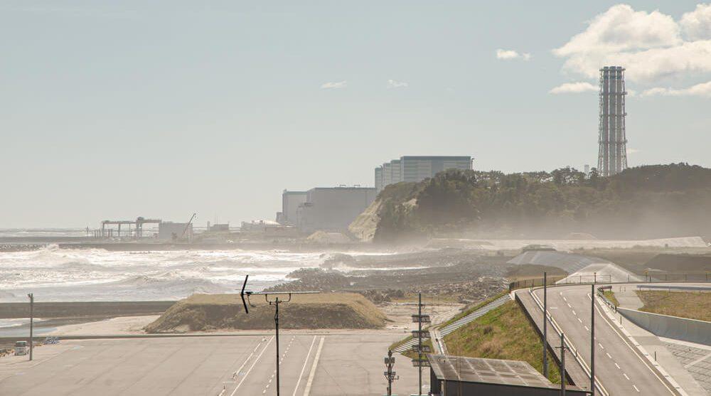 Япония хочет слить в океан миллионы тонн радиоактивной воды