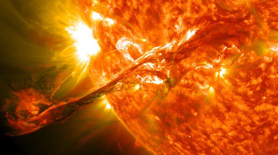 На Солнце обнаружили ранее неизвестный тип коронального дождя