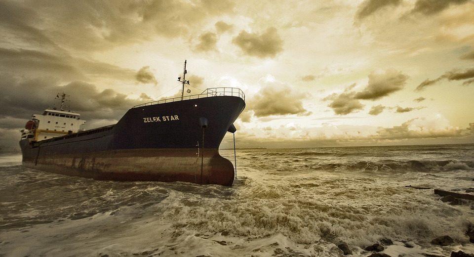 Вскоре в мировой судоходной области введут налог на выбросы углерода