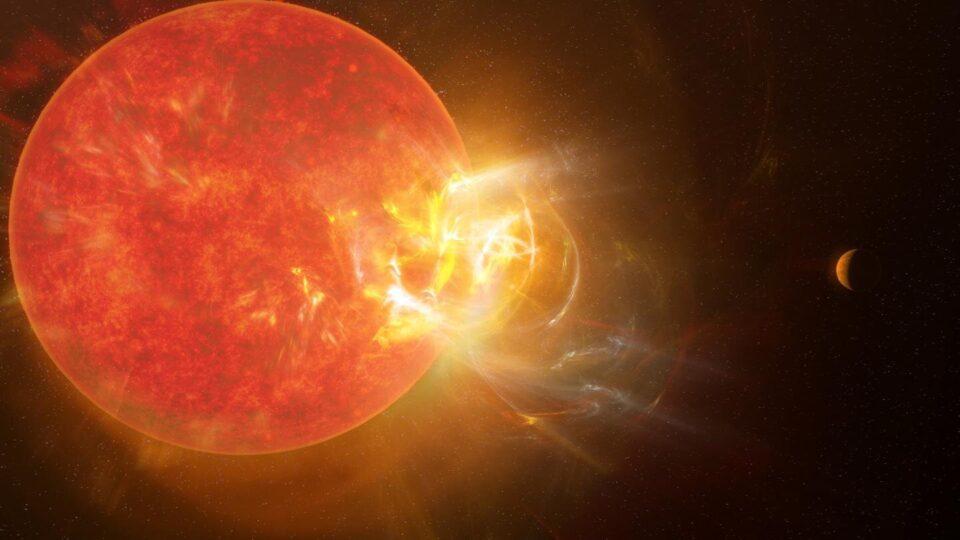 На ближайшей к Солнцу звезде произошла мощная вспышка