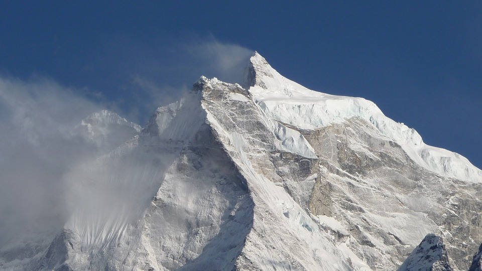 На Эвересте найдены артефакты, которые могут свидетельствовать о реальности Великого потопа
