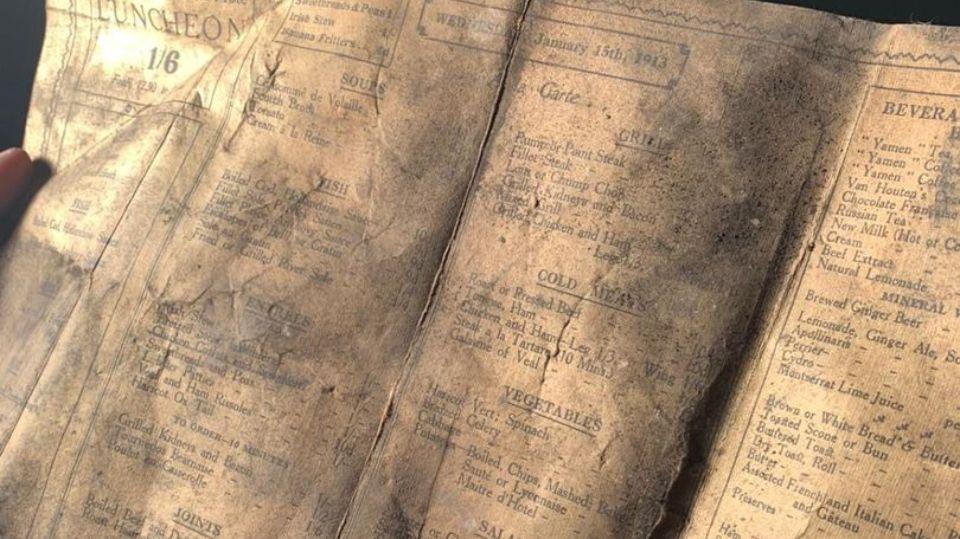 В Ливерпуле во время ремонтных работ нашли меню 100-летней давности
