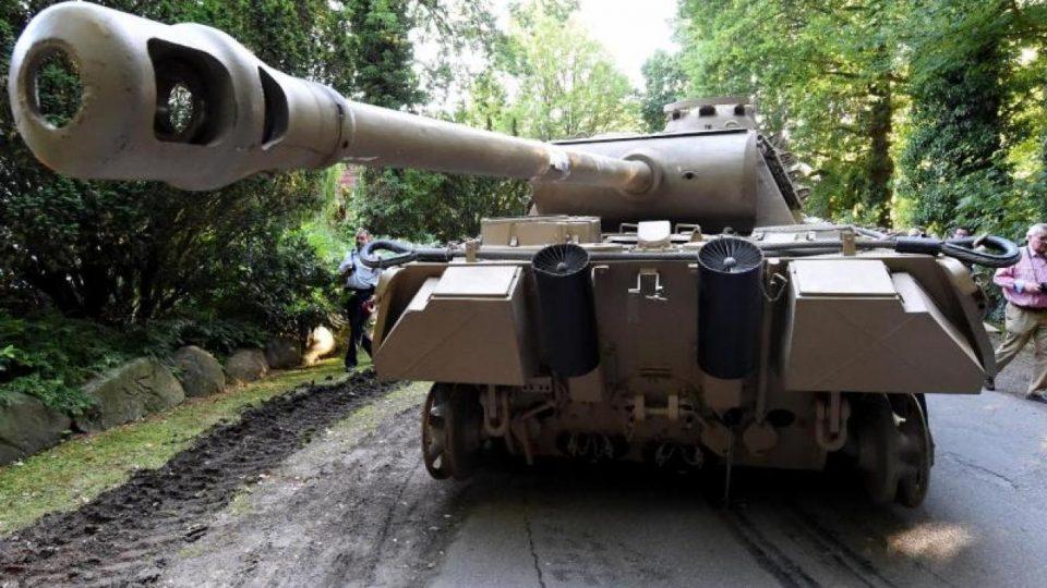 В Германии у мужчины дома нашли танк и зенитную установку