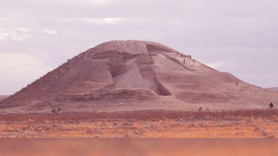 Археологи обнаружили в Сирии курган в форме пирамиды Джосера
