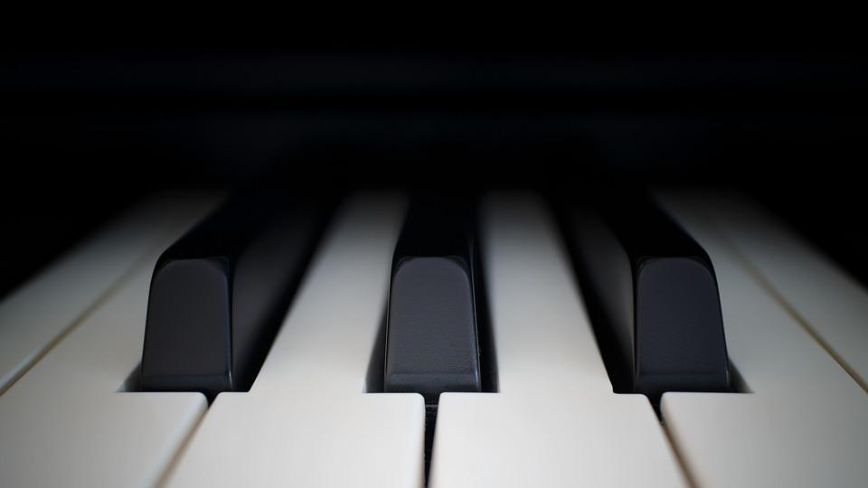 Акустическое пианино: особенности и преимущества
