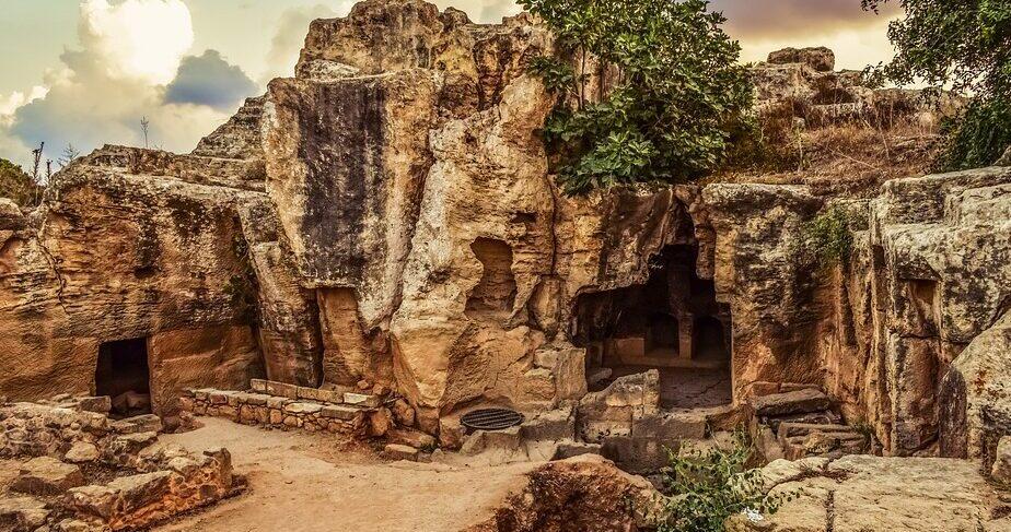Археолог из Греции считает, что ему удалось обнаружить гробницу матери Александра Македонского