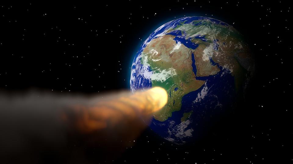 К Земле на большой скорости приближается километровый астероид