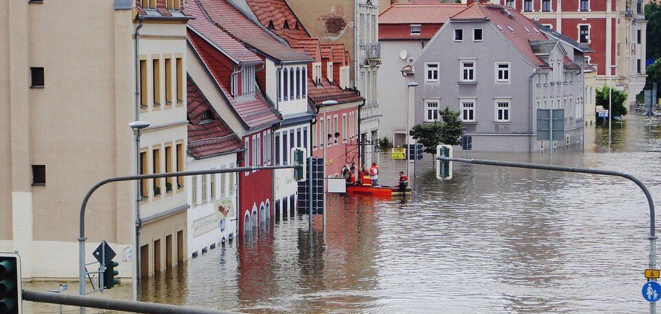 Смертельный ливни в Европе – только начало: озвучен тревожный прогноз