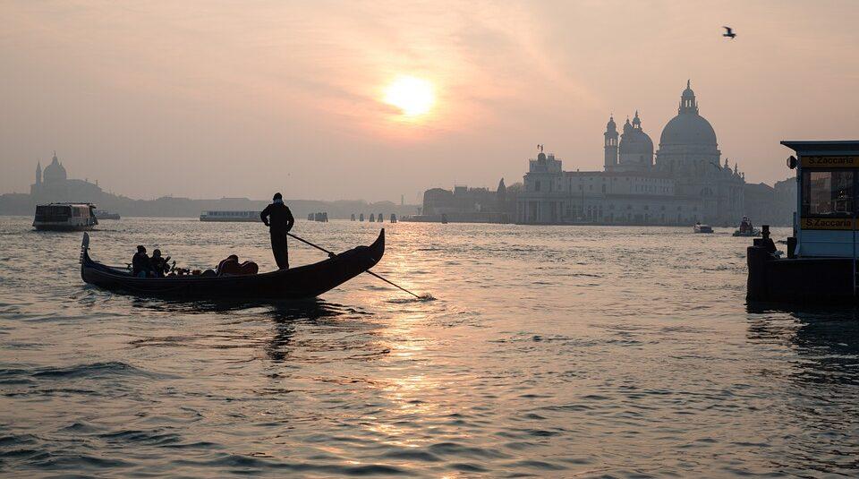 В Венеции под водой обнаружили древнюю римскую дорогу