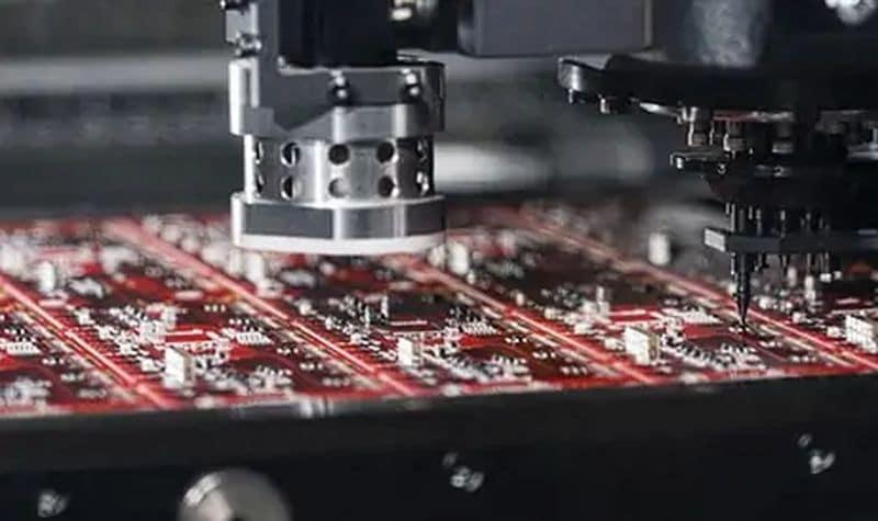 Что выбрать: выводной или поверхностный монтаж печатных плат