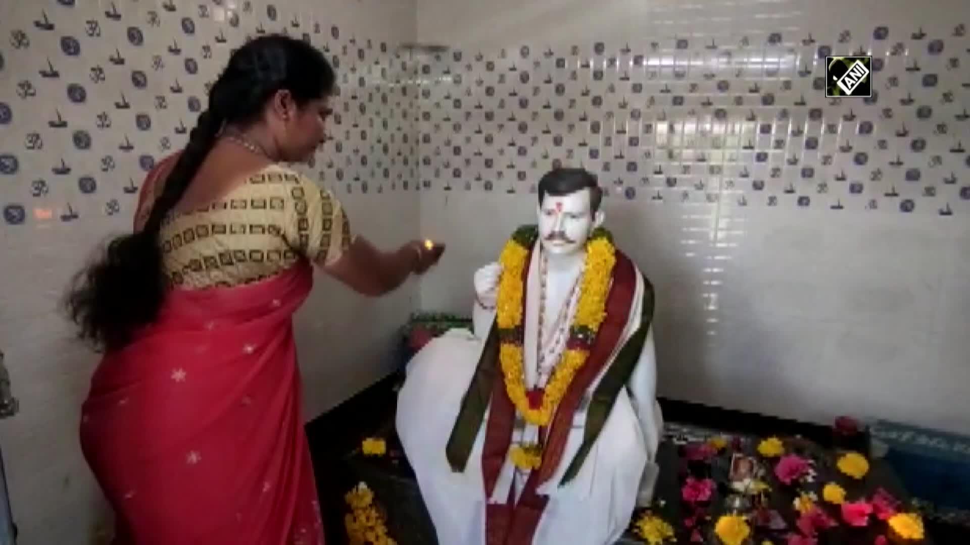 Жительница Индии построила храм в честь своего умершего мужа