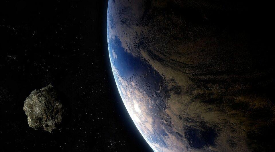 В сентябре недалеко от Земли пролетит огромный астероид