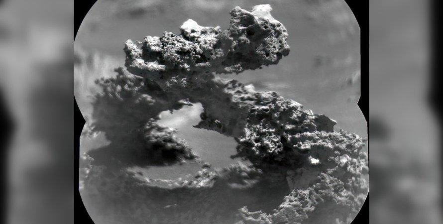 Марсоход Curiosity нашел каменную арку, напоминающую цепь ДНК