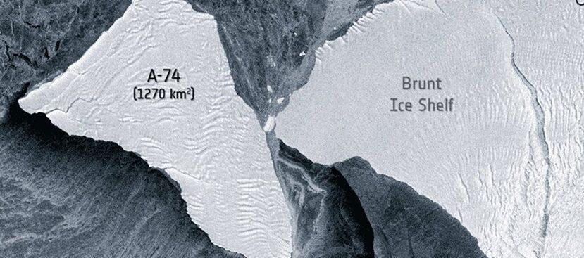 В Антарктиду едва не врезался огромный айсберг