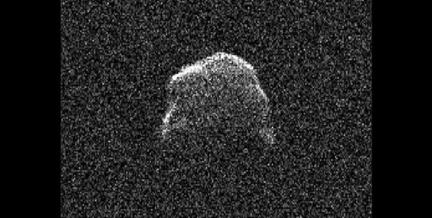 Астрономы показали изображение огромного околоземного астероида