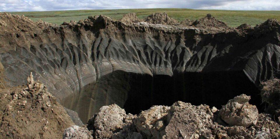 Установлена причина образования кратеров в вечной мерзлоте Сибири