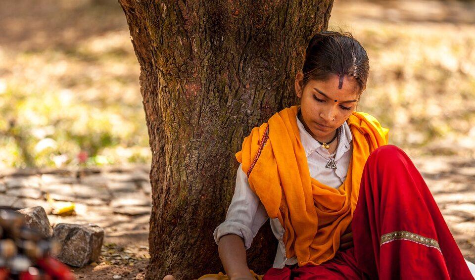 В Индии с помощью несовершеннолетних девушек хотели вызвать дождь