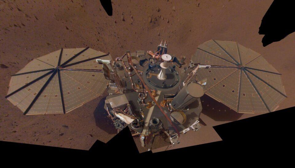 Аппарат InSight зафиксировал на Марсе три сильных землетрясения
