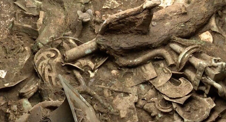 В Китае обнаружили священное дерево, изготовленное из бронзы
