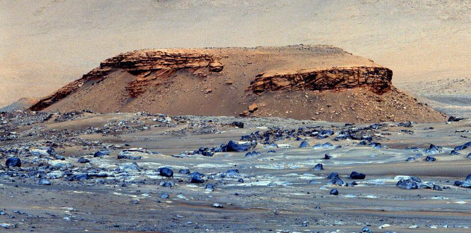 Снимки с марсохода подтвердили, что кратер Джезеро – это древнее озеро