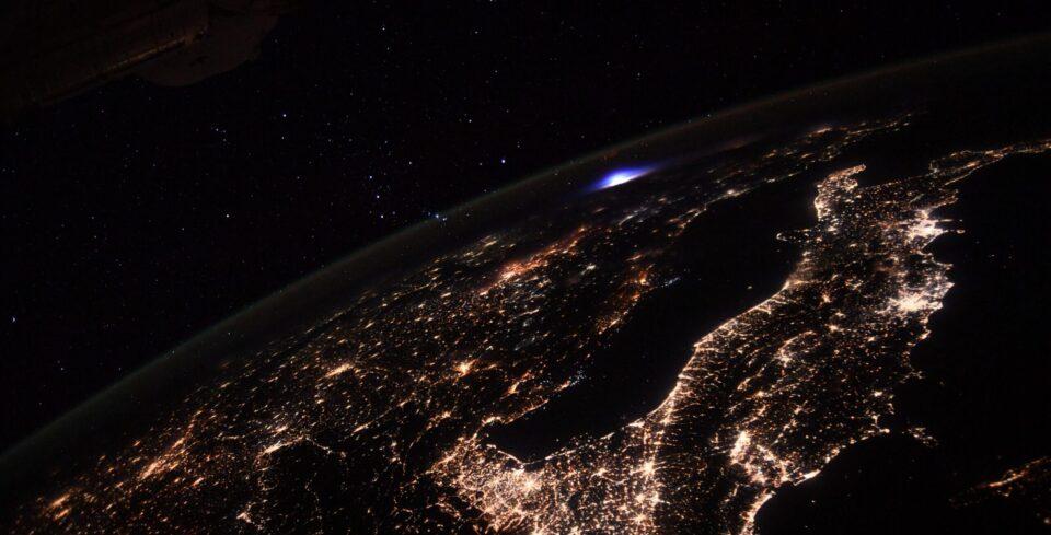 Астронавт запечатлел вспышку, которую никто не заметил на Земле