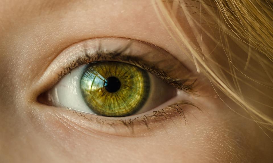 Симптомы диабета: на высокий сахар в крови укажут два признака в глазах