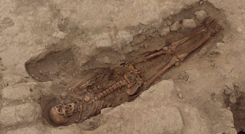 На территории Перу обнаружили древнее ритуальное захоронение