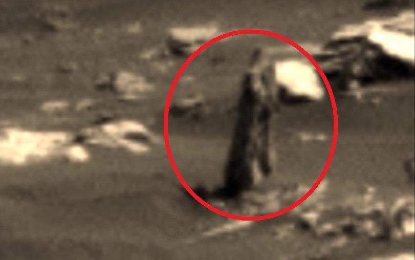 На фотографии с Марса обнаружена женская статуя