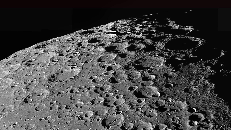 Ученые обнаружили на Луне скрытые гигантские кратеры