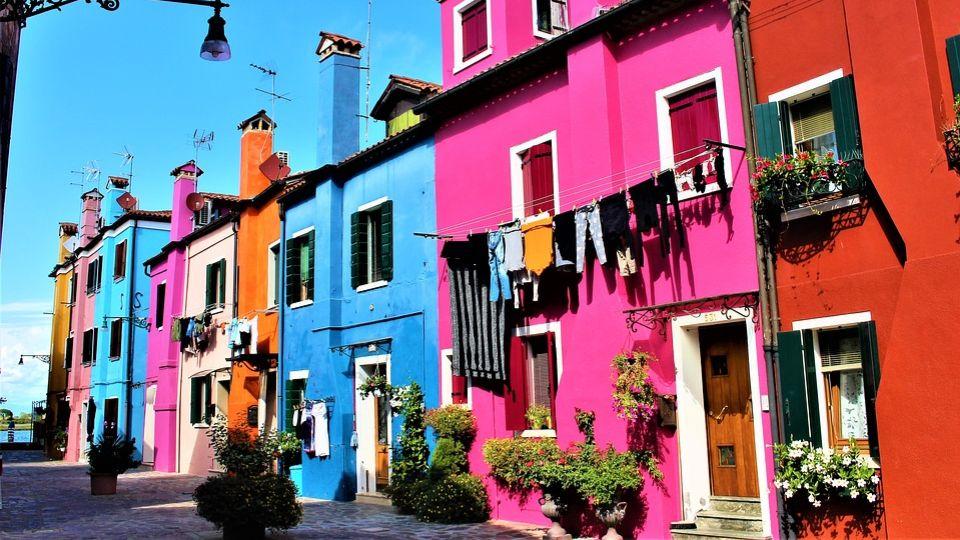 Фасадные краски Kolorit: популярные составы и их характеристики