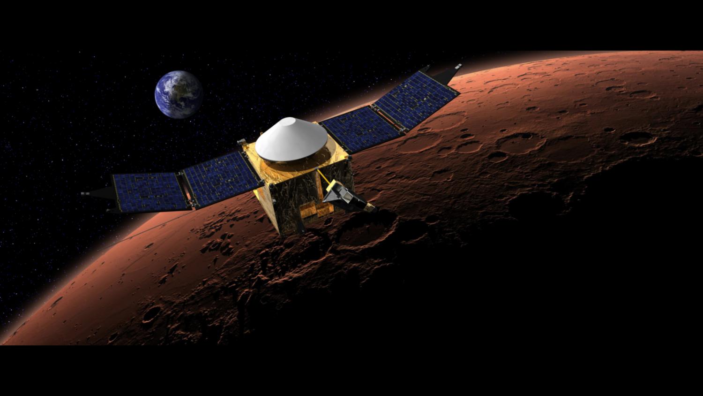 Марсианский спутник НАСА чуть не врезался в Фобос