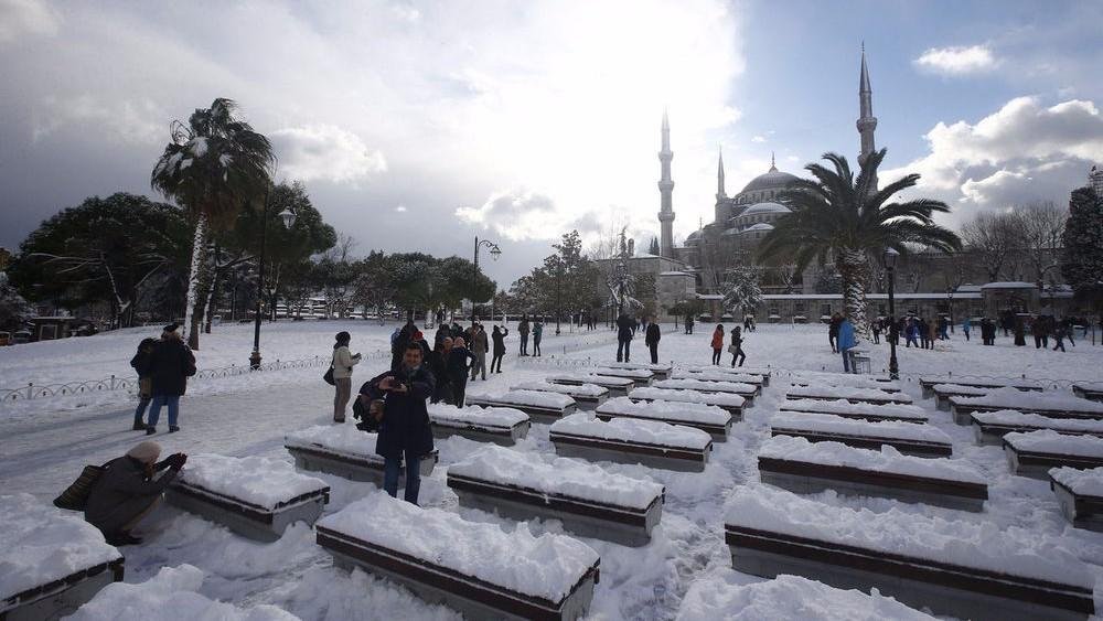 В Турции и Мексике неожиданно выпал снег