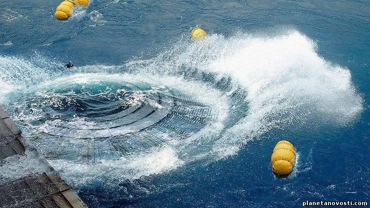 Неопознанные объекты под водой.