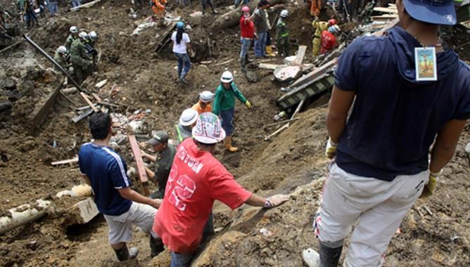 В Колумбии оползень убил 40 человек и уничтожил город