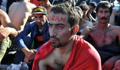 У границы с Македонией беженцы зашили рты в знак протеста