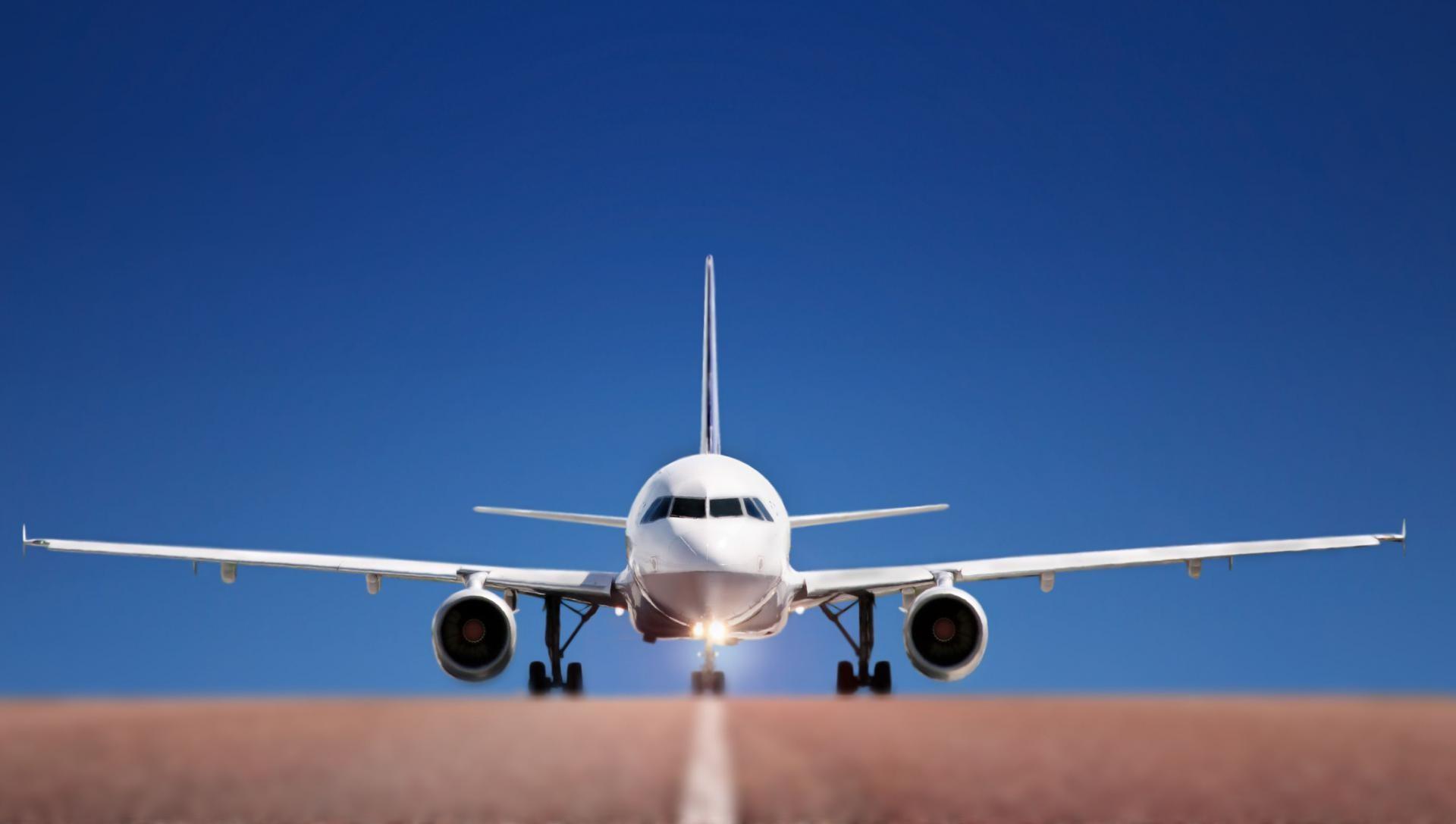В США двух пассажиров не пустили на борт самолета за то, что они заговорили на арабском языке