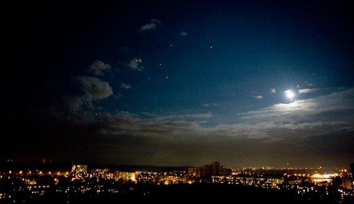 Сан-Хосе, Калифорния — Необычные НЛО повергли американца в панику