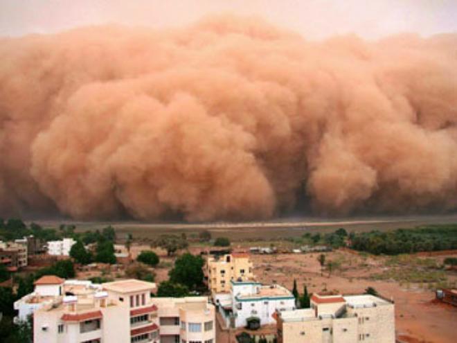 Песчаная буря в Тегеране унесла жизни трех человек