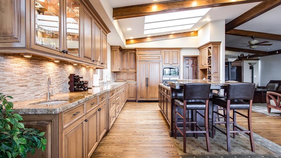 Обустройство кухни — преимущества индукционных плит