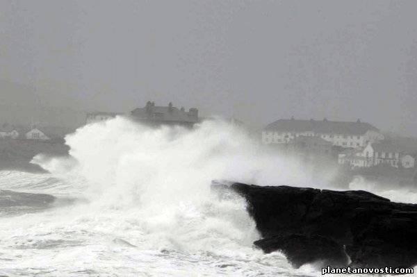 Уэльс и Ирландия остались без электричества после очередного атлантического шторма