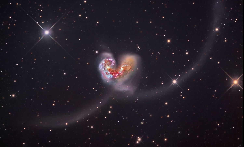 Ученые обнаружили огромные магнитные поля древних галактик